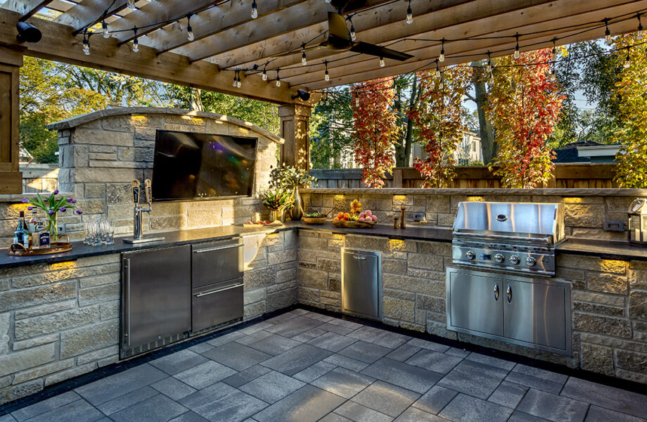 Masonry Outdoor Kitchen Pergola