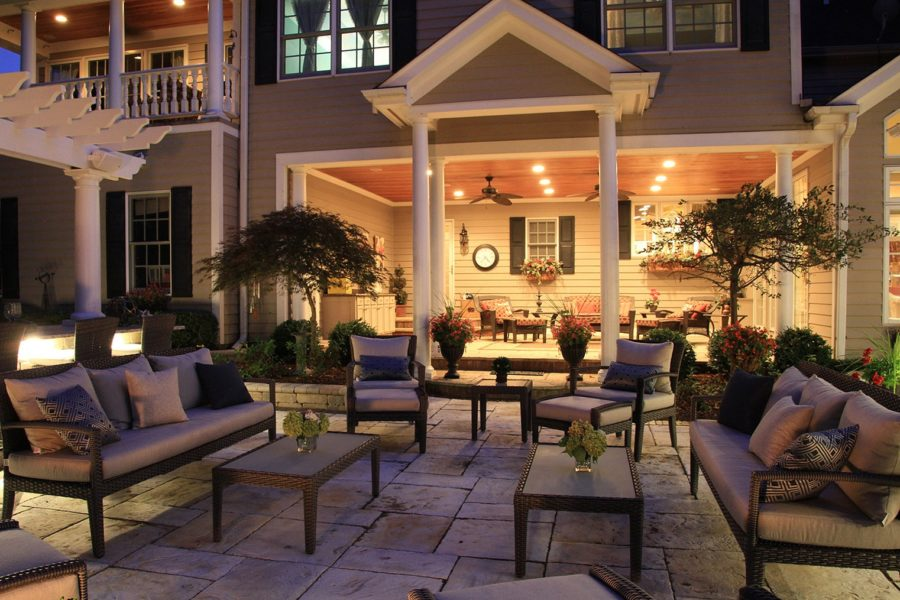 Outdoor Seating Columns